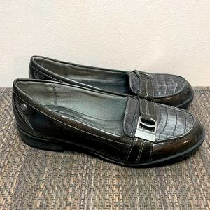 Life Stride Women's Flat Buckle Shoes Size 8M